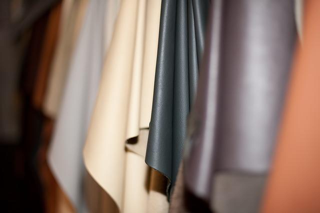 Sukienki skórzane są modne i stylowe